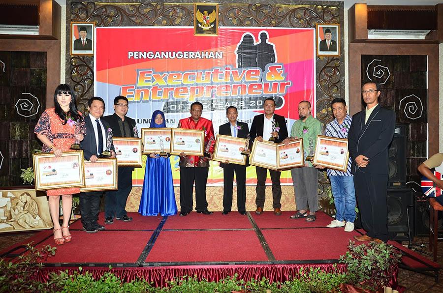 Penghargaan 10