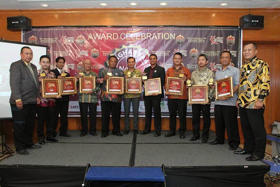 Penghargaan 11